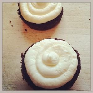 Black Forest Mini Cakes 1 lage mit sahne