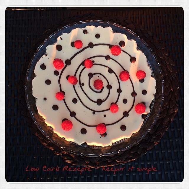 Panna Cotta Torte auf Schokoboden