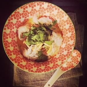 Thai Curry veggie auf Tablett