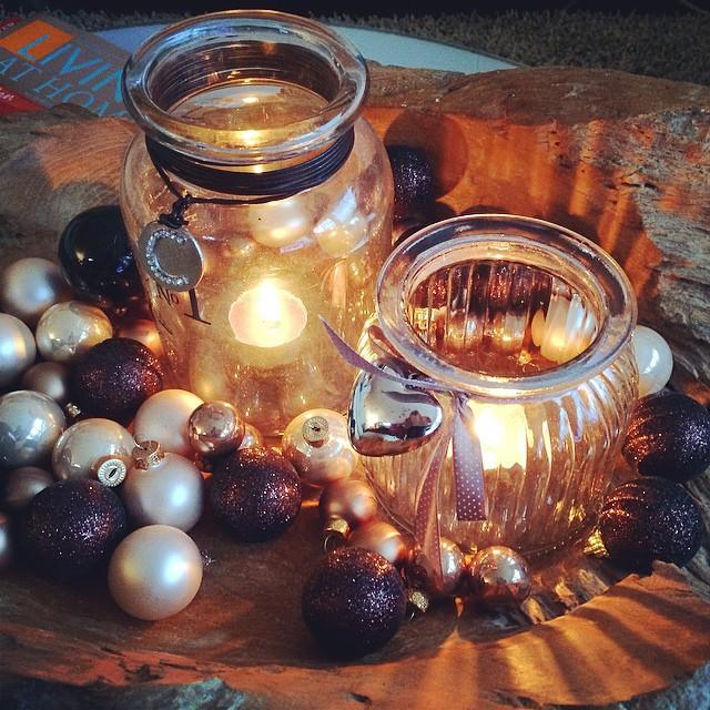 Melancholie Schale mit Kerzen