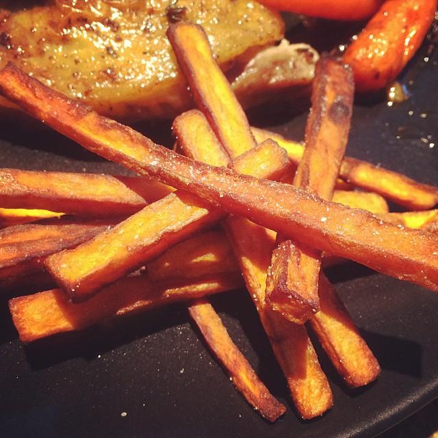 Orangen-Perlhuhn close fritten2