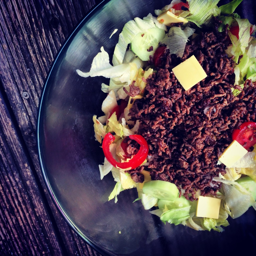 Cheeseburger Salat 1
