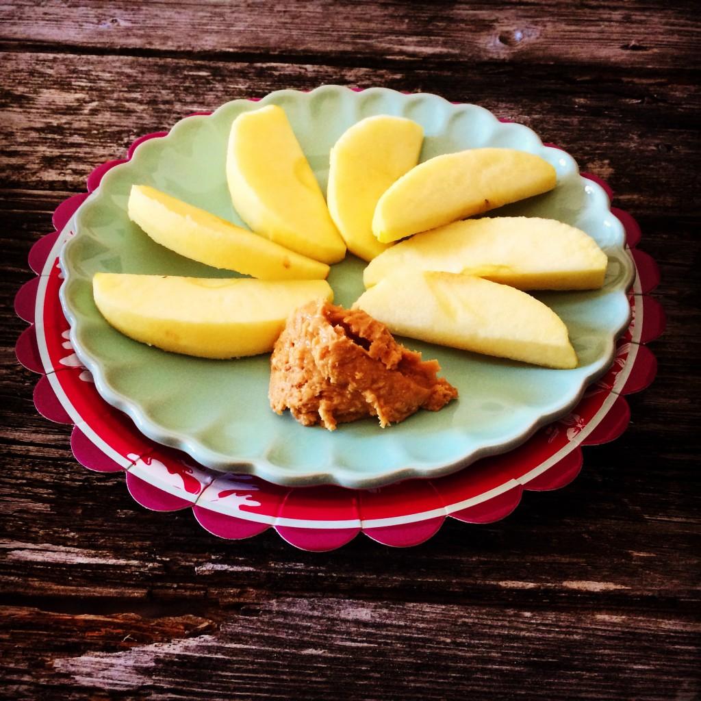 Apfel Erdnussbutter