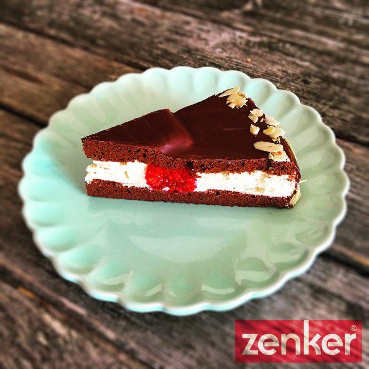 Low Carb Schokoladen Biskuit Gefullt Mit Weisser Cafe Creme