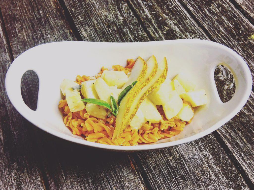 nudeln-aus-linsenmehl-mit-gorgonzolasosse