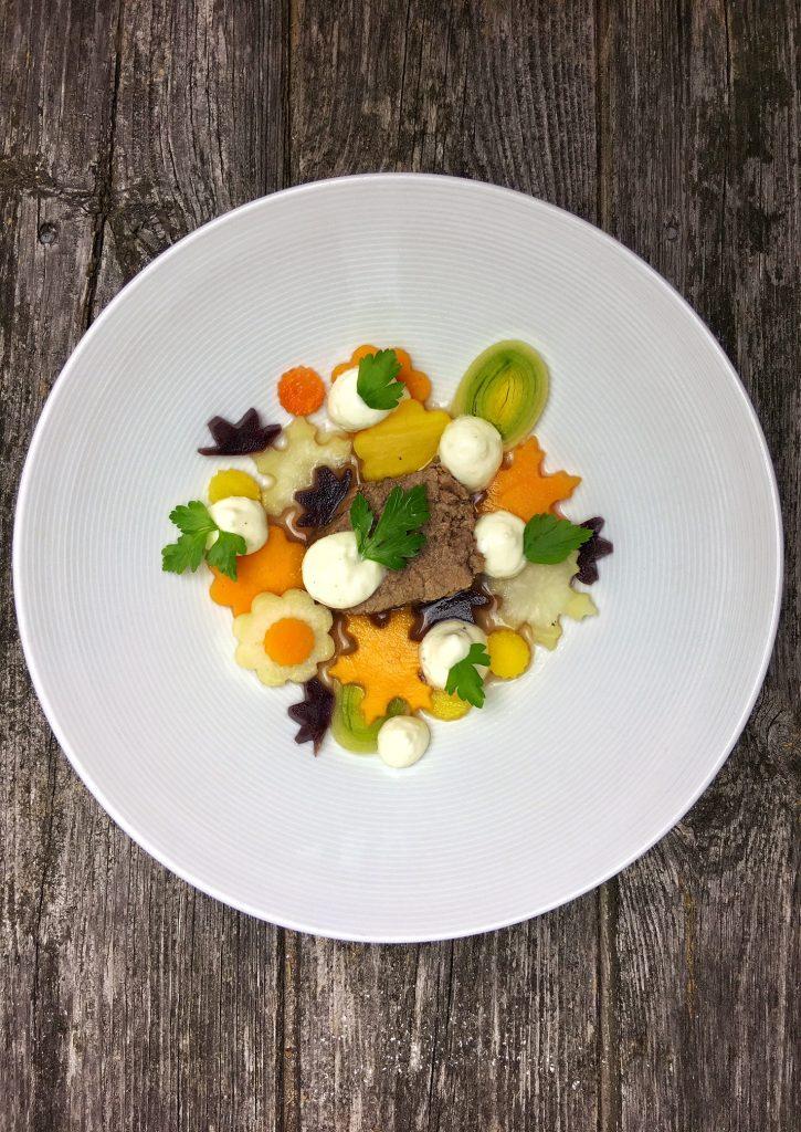 buergermeisterstueck-mit-gemuese-und-meerrettich-espuma-mit-gin-4