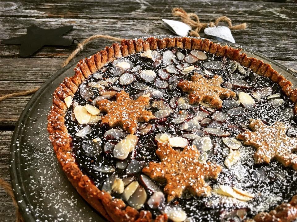 Weihnachts-Pie Low Carb mit Mohn und Marmelade