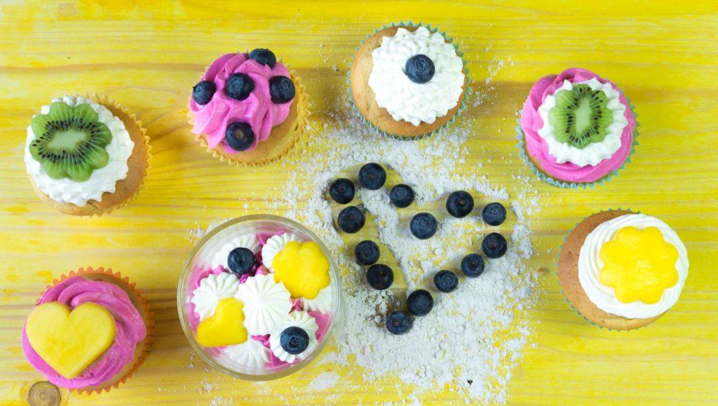 Joghurt Cupcakes Mit Zwei Gesunden Schnellentoppings