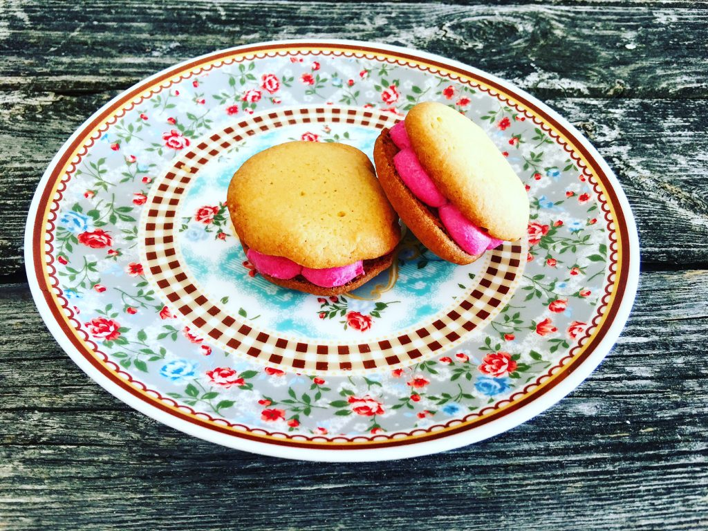 Low Carb Whoopies mit Erdbeercreme