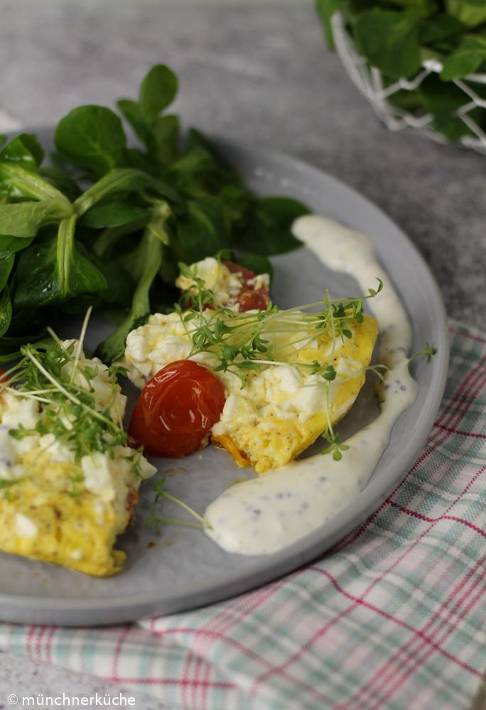 Tomaten-Omelette mit Senfsoße low carb