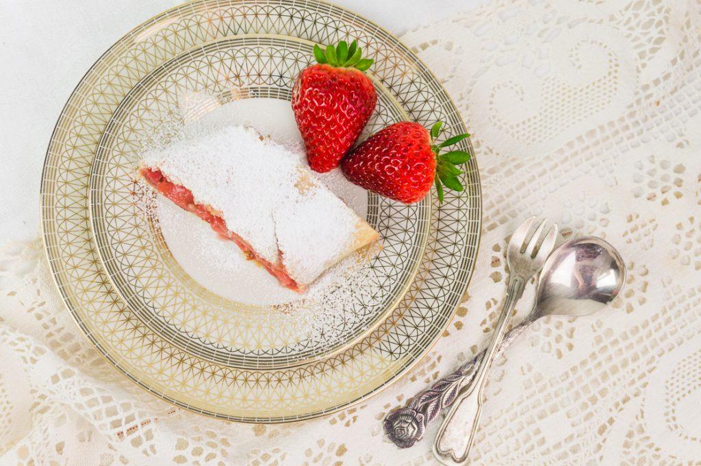 Strrudelteig Schritt für Schritt mit Erdbeeren