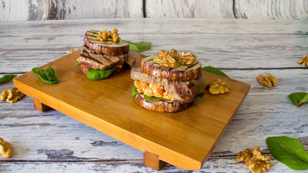 Low Carb Burger mit Aubergine und Rinderfilet