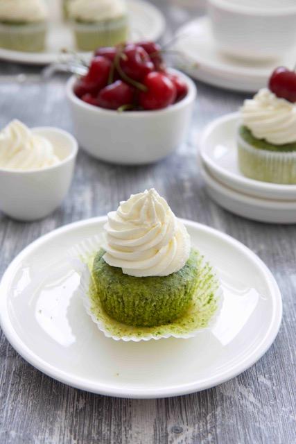 Green Cupcakes mit Dinkelmehl zuckerfrei