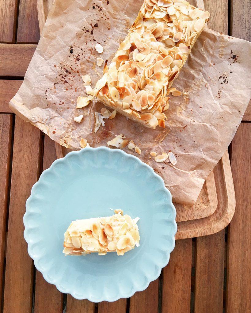 Invisible Cake mit Äpfeln und Mandeln