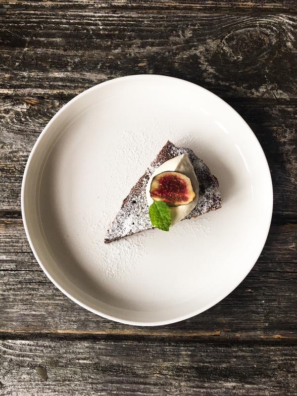 Mohnkuchen mit Birnen und Quark ohne Mehl und Fett