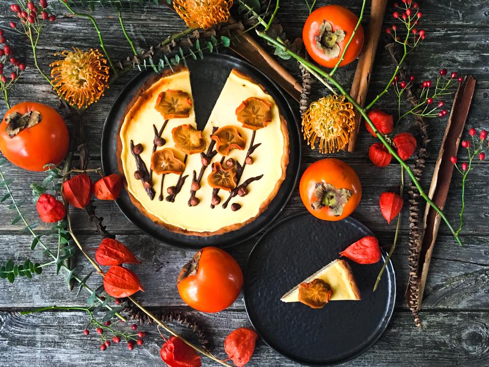 Persimon-Cheesecake auf Kokos-Mürbeteig (Low Carb)