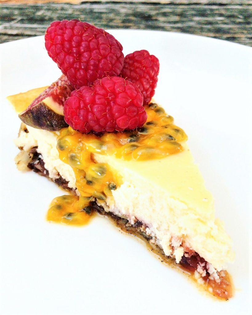 Weltbester Low Carb Cheesecake mit Vanillemandelboden von Holladiekochfee