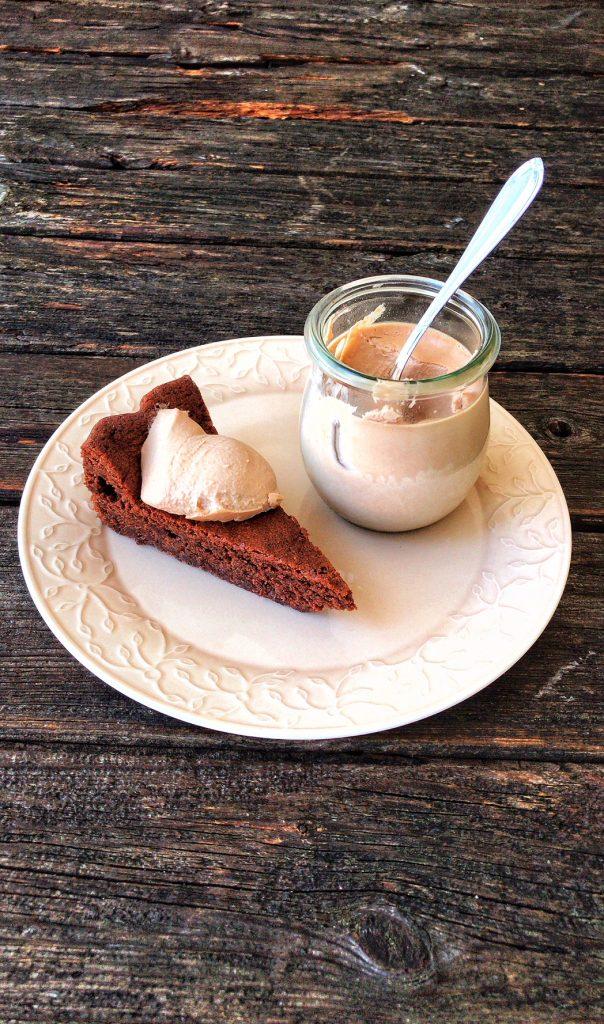 Low Carb Macdamia-Schokoladenkuchen - einfach und superlecker!