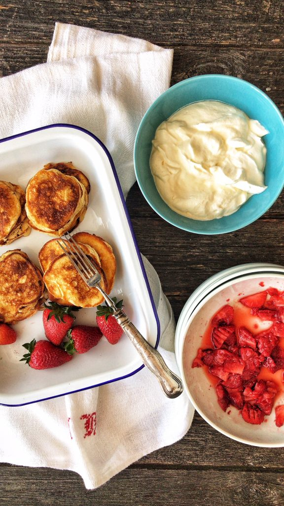 Ricotta Pancakes Low Carb mit Erdbeeren
