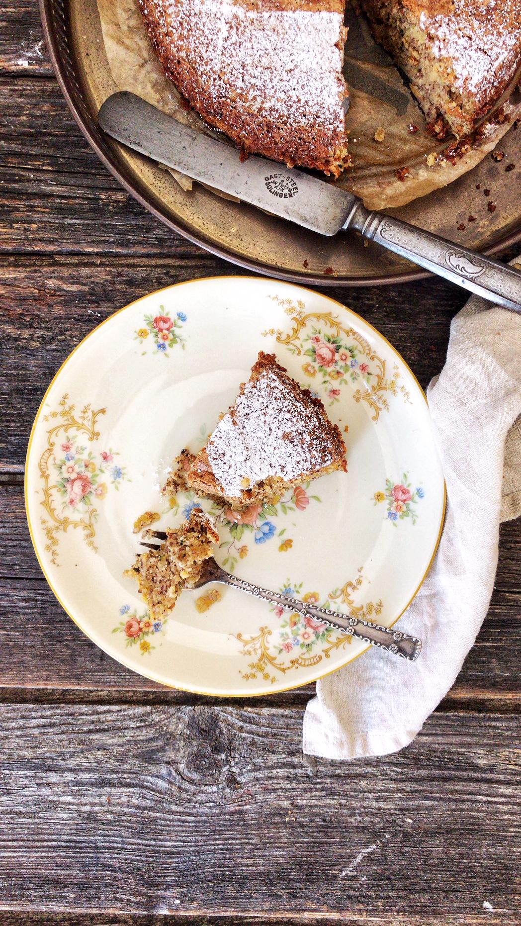 Bester Low Carb Zucchini-Nuss-Kuchen mit Apfel