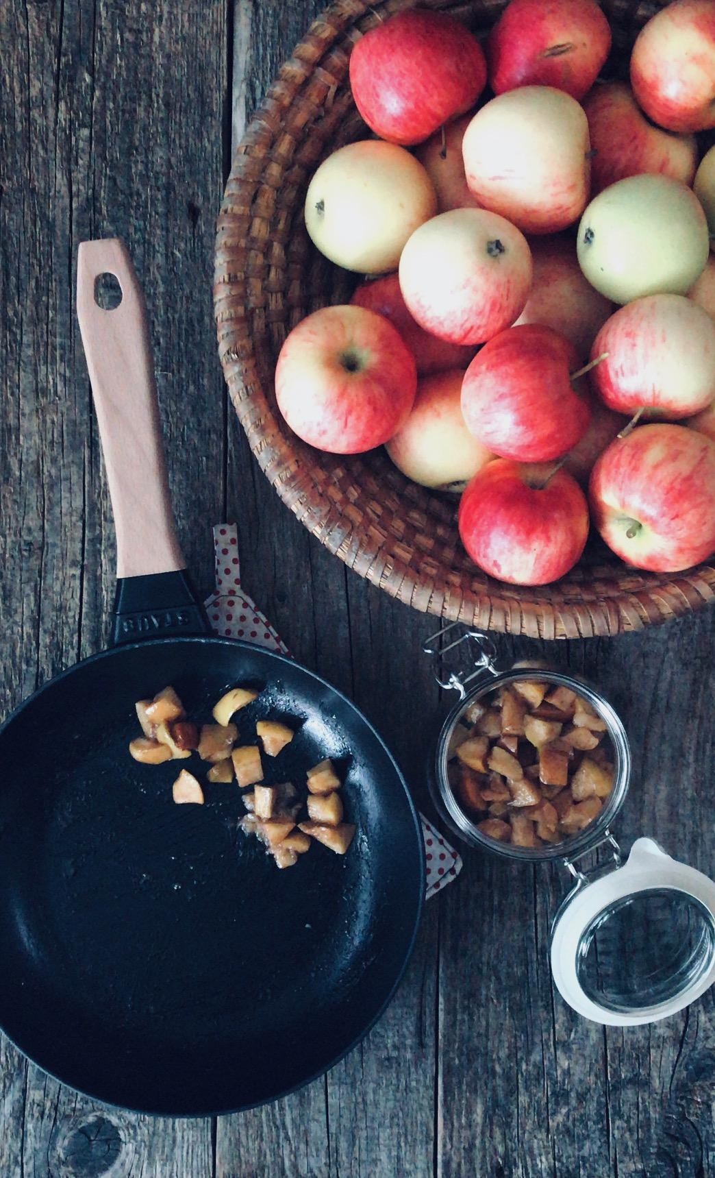 Bratapfelwürfel low carb für Kuchen und Muffins