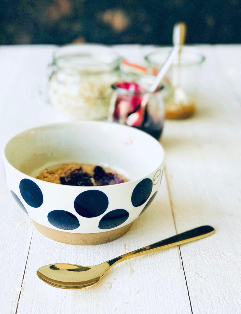 Buchweizen Porridge mit Heidelbeeren