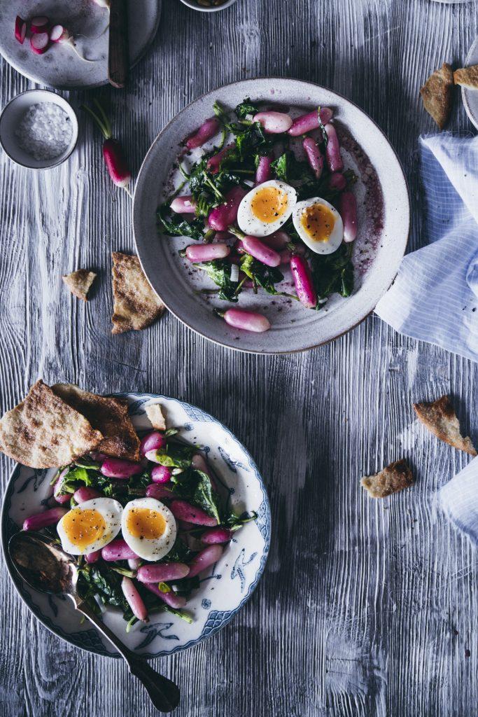 Lauwarmer Radieschensalat mit Ei