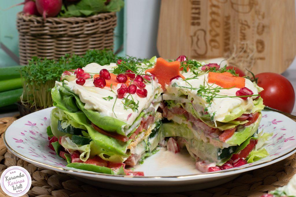 Salattorte angeschnitten