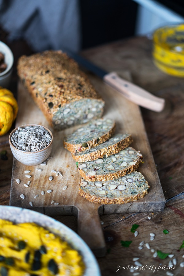 Saaten-Nuss-Brot