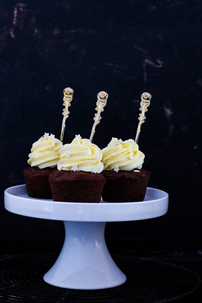 Schokoladen Gewürzcupcakes mit Frischkäse Topping