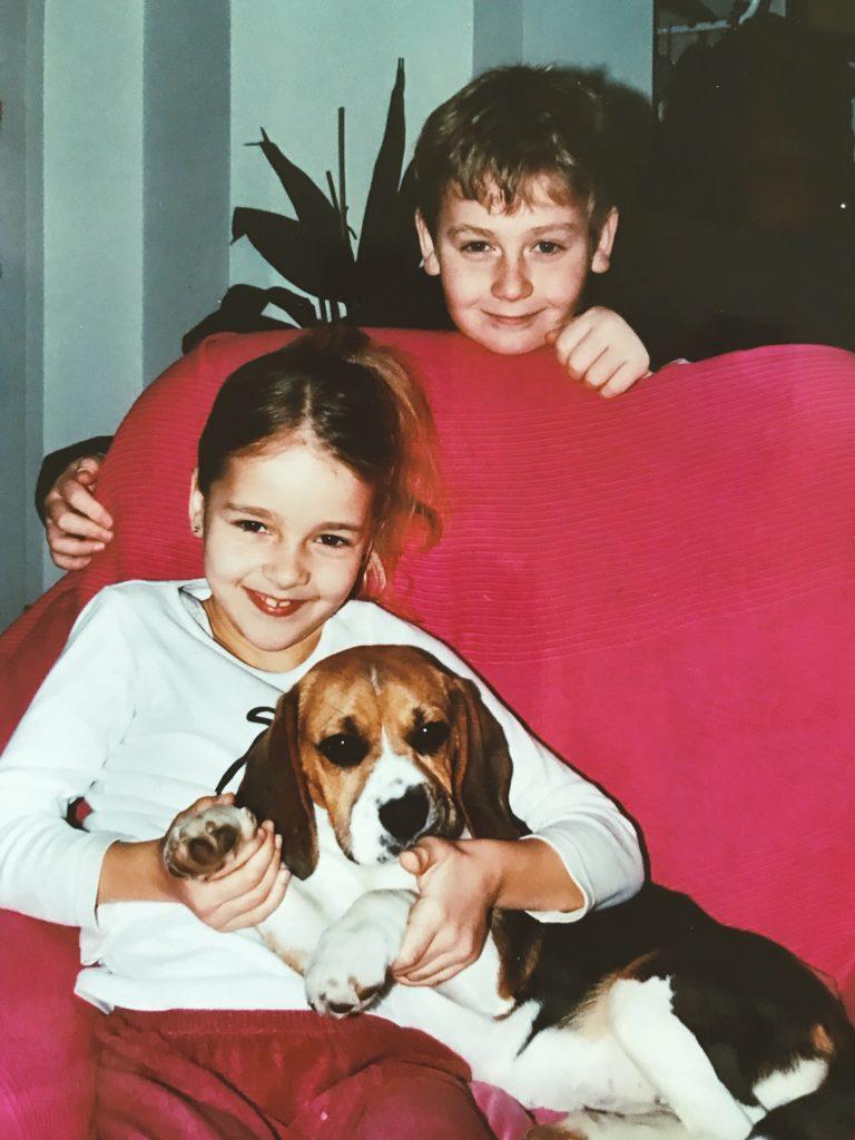 meine Kinder mit Hundebaby