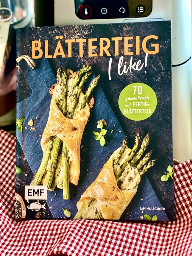 """Cover vom Kochbuch """"Blätterteig"""" von Janina Lechner"""