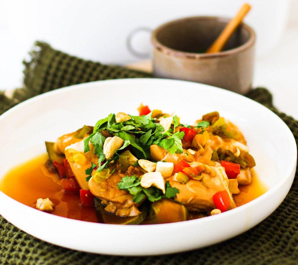 Miji Cooking Box One - fertiges Asiagericht mit Tofu aus der Nähe