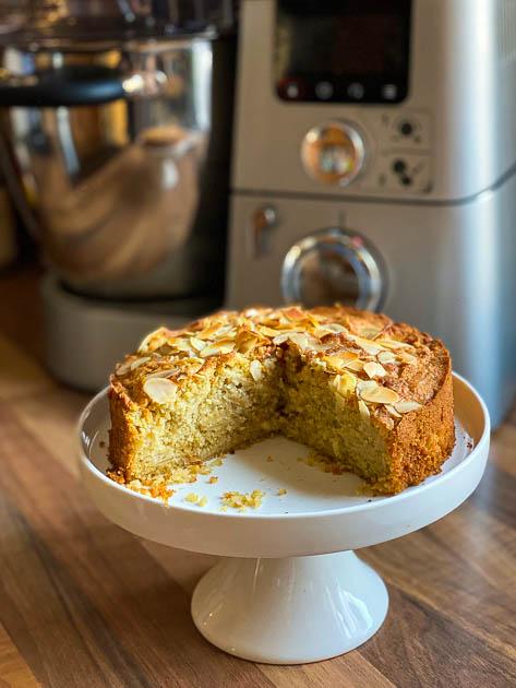 Saftiger Apfelkuchen fettarm, zuckerfrei und ohne Gluten