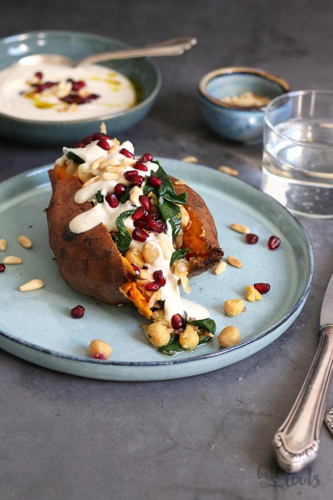 Kartoffelfreitag mit Marc von Bake to the roots - gebackene Süßkartoffel mit Tahini