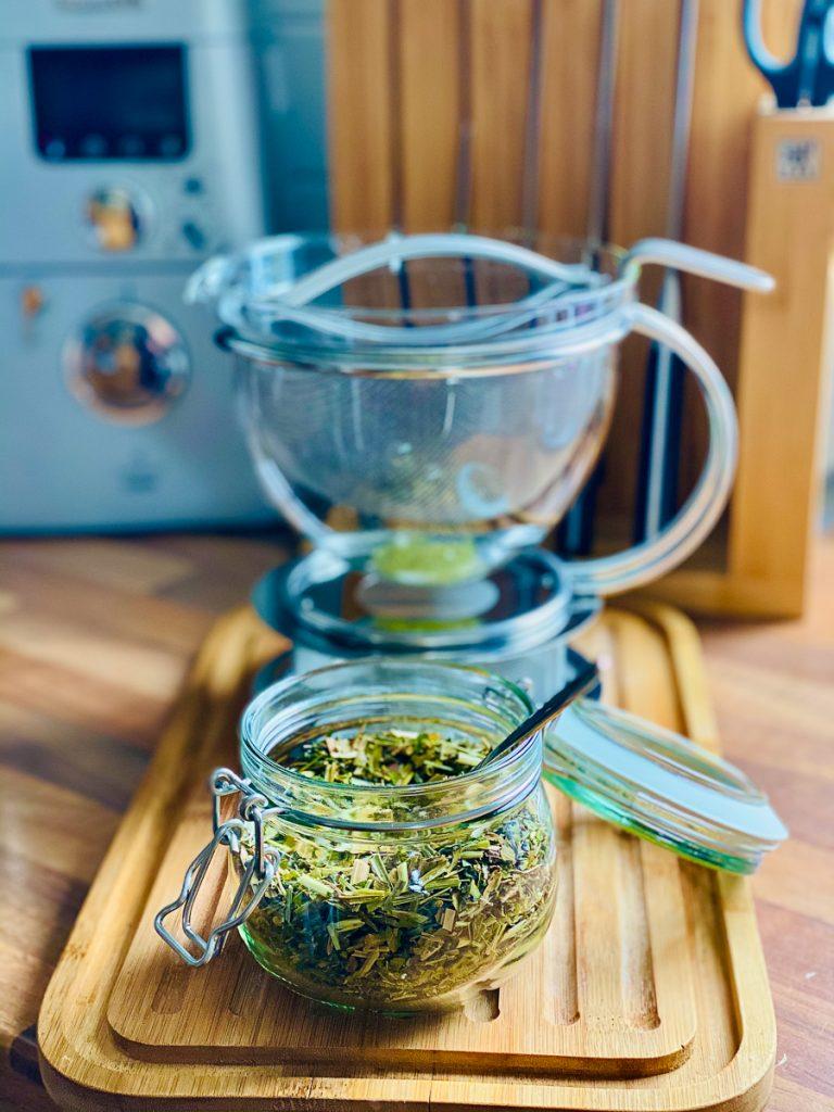 Saftfasten - meine Erfahrungen Teil 1 - Moringa Tee in einer Teekanne