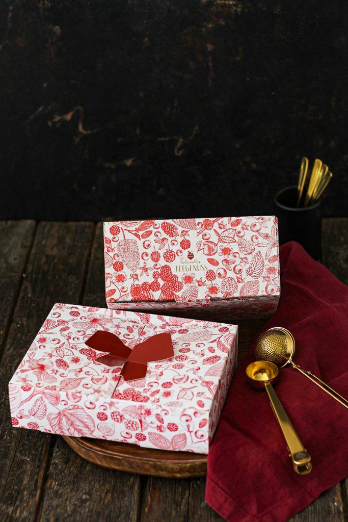 Liebevoller Teegenuss mit Lebkuchen Schmidt in Geschenkverpackungen