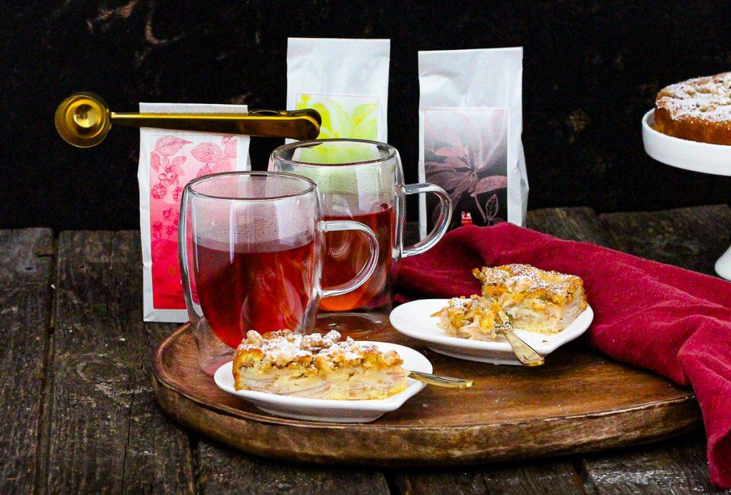 Birnenkuchen und Tee