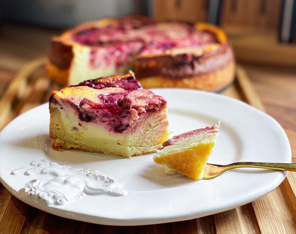 Nahaufnahme Schlanker Zwetschgen Swirl Cheesecake