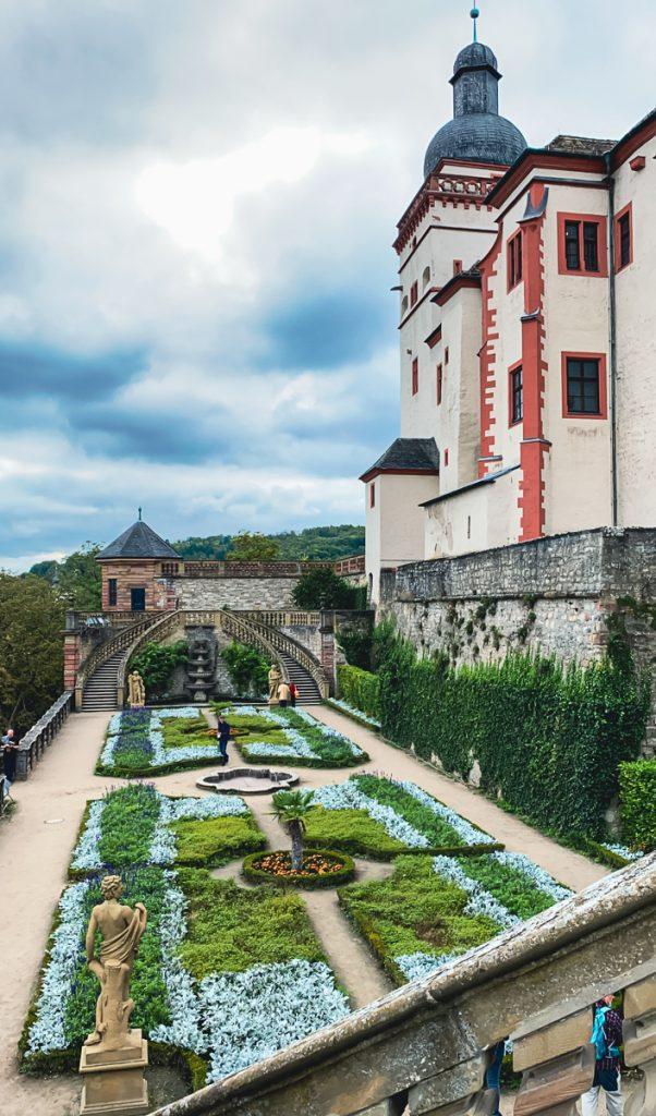 Eine Auszeit in Würzburg - Hotel Rebstock und KUNO 1408 - Besichtigung der Festung Würzburg, der Garten